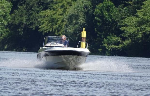 motorboot-fahren-brandenburg-havel-training