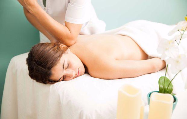 lomi-lomi-massage-hannover-rueckenmassage