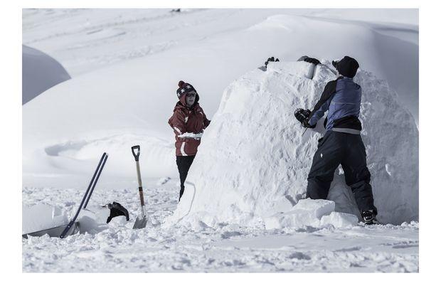 iglu-bauen-kuehtai-schnee
