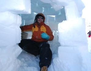 Iglu bauen inkl. Schneeschuhwanderung und Rodeln inkl. Schneeschuhwanderung und Rodeln - 7 Stunden