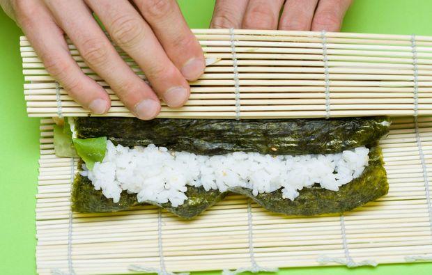 sushi-kochkurs-magdeburg-rollen