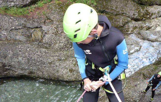 canyoning-tour-fischen-abseilen