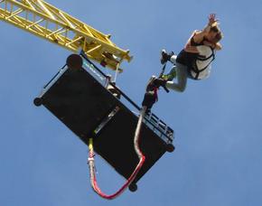 Bungee Jumping - Tandemsprung von einem 70 bzw. 80 Meter hohen Kran