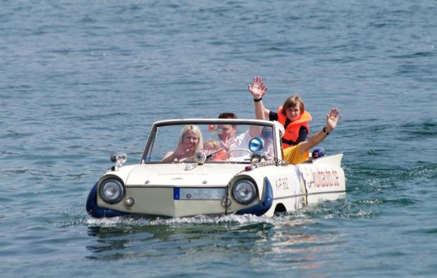 amphicar-fahren-koeln-bg1