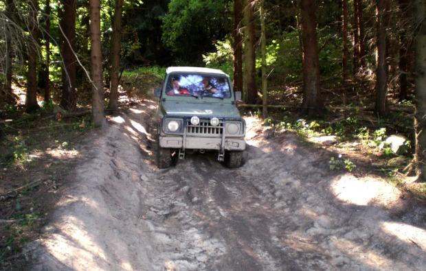 spielplatz-fuer-maenner-grossalmerode-jeep