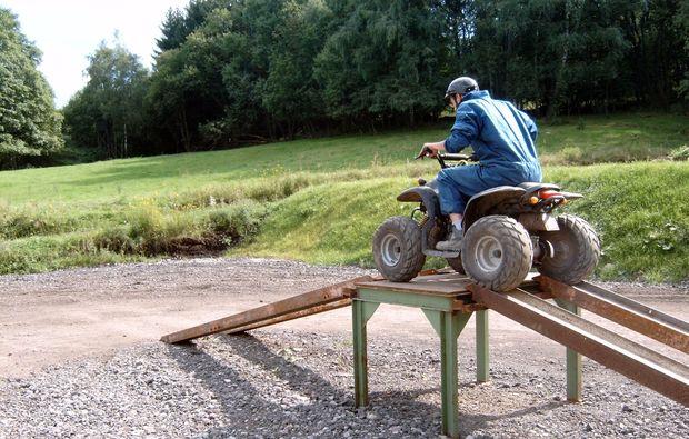 spielplatz-maenner-grossalmerode-quad