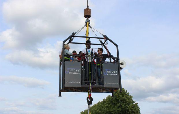 bungee-jumping-herzogenaurach-iserlohn-kalkar-koblenz-oberhausen-aufzug