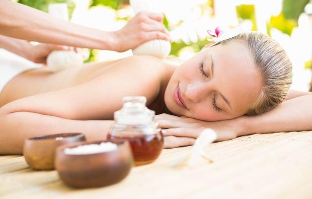 kraeuterstempel-massage-eppelheim-rueckenmassage