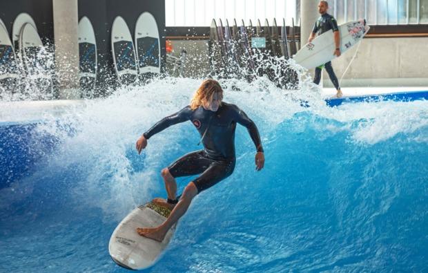 indoor-surfen-taufkirchen-adrenalin