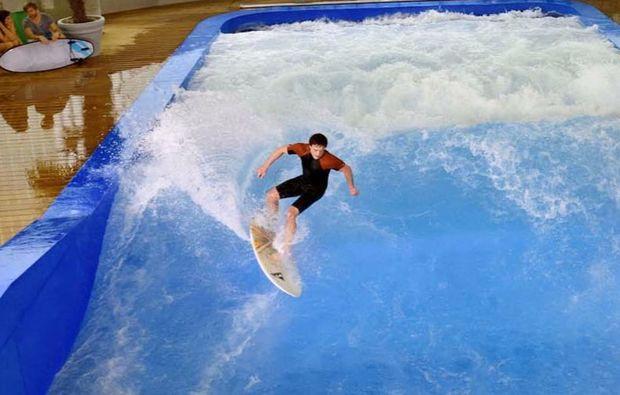indoor-surfen-taufkirchen-welle
