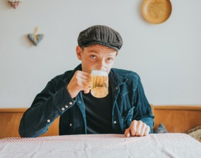 Comedy Dinner (Bauer sucht Frau) Comedy Dinner - Mehrgänge Menü