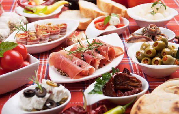 mediterrane-kueche-wiesbaden-schinken-oliven