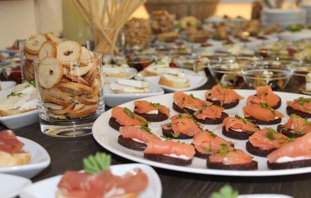 cocktail-kurs-trier-haeppchen-essen