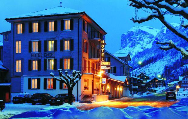 zauberhafte-unterkuenfte-emmetten-hotel