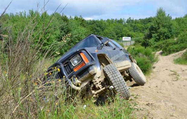 gelaendewagen-offroad-fahren-nuerburg-jeep