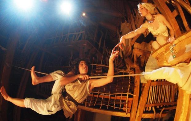 waldzelt-uebernachtung-neisseaue-theater