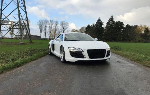 audi-r8-tagesmiete-troisdorf-fahren