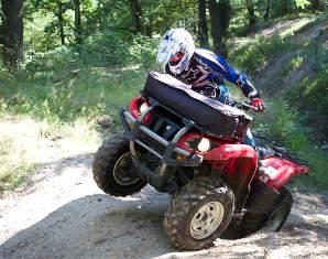 quad-fahren-huegel