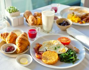 Frühstückszauber für Zwei - Alpenhotel...fall in Love - Seefeld in Tirol Frühstücksbuffet, inkl. Teebar