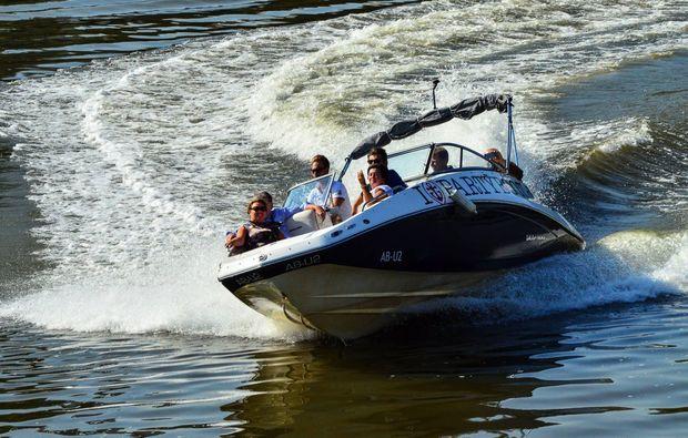 speedboot-fahren-frankfurt-main