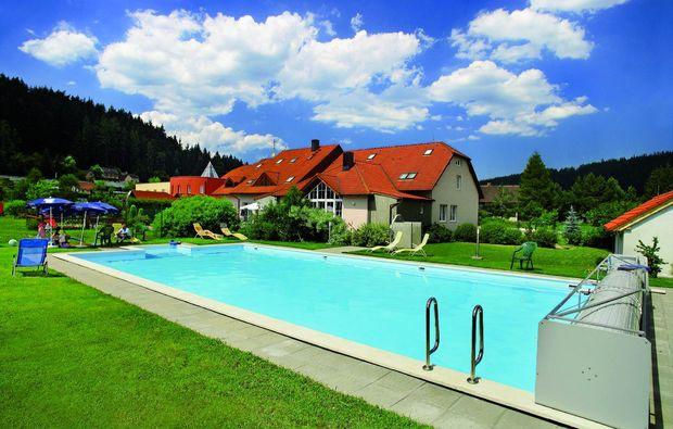wellnesshotels-vetn-bei-krumau-schwimmbad