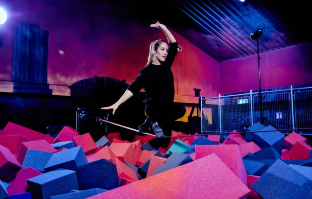 funsport-trampolin-duisburg-gleichgewicht