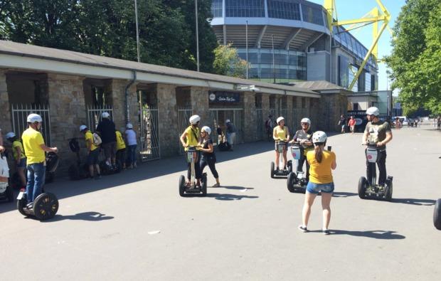 segway-city-tour-fussball-dortmund-outdoor