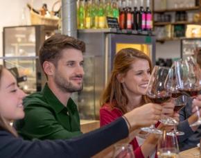 Wein & Käse - Hotel Lennhof - Dortmund Verkostung von 8 Weinen & 8 Sorten Käse
