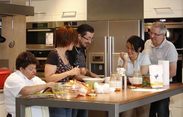 asiatischer-kochkurs-dortmund-teilnehmer