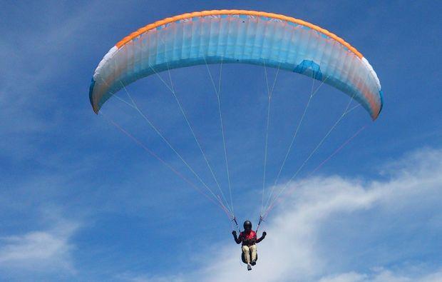 gleitschirm-flug-schnupperkurs-tegernsee-paragliding