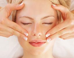 Wellnesstag für Sie  Großbeeren - 90 Minuten Gesichtsbehandlung, Fußreflexzonenmassage