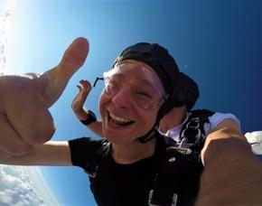 Fallschirm-Tandemsprung - Uetersen-Heist Sprung aus ca. 3.000-4.000 Metern - ca. 25-50 Sekunden freier Fall