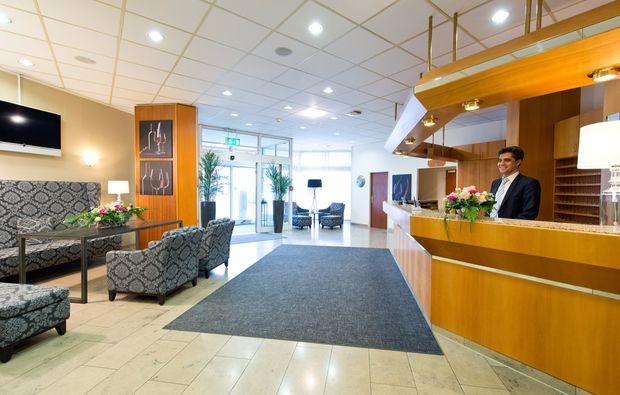 kurzurlaub-neustadt-an-der-weinstrasse-lobby