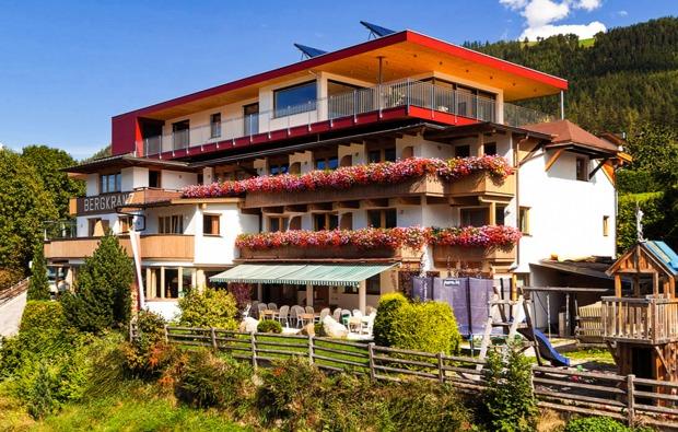 kurzurlaub-mieders-im-stubaital-hotel
