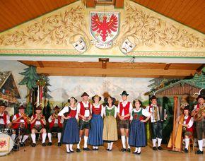 Konzert & Dinner - Innsbruck Tiroler Abend - 3-Gänge-Menü, Getränk