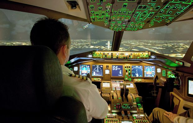flugsimulator-filderstadt-stuttgart-cockpit