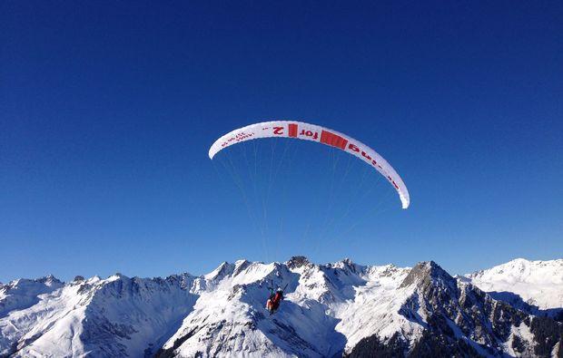 gleitschirm-tandemflug-silbertal-berg