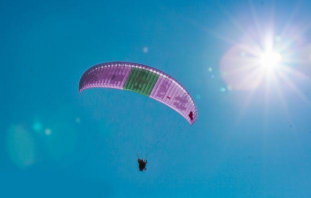 gleitschirm-tandemflug-silbertal-himmel