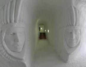 Iglu-Übernachtung Gstaad im 6er-Iglu - Käsefondue