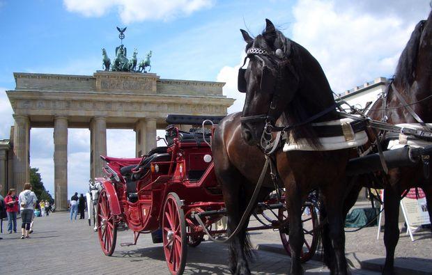 hochzeitskutschfahrt-berlin-romantik