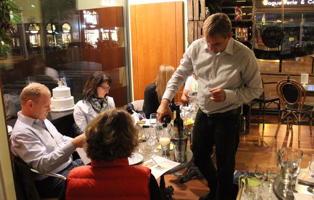 dine-frankfurt-am-main-tasting
