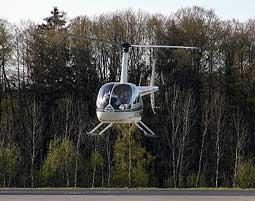 b-helikopter-fliegen
