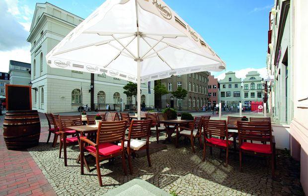 fruehstueckszauber-fuer-zwei-wismar-terrasse