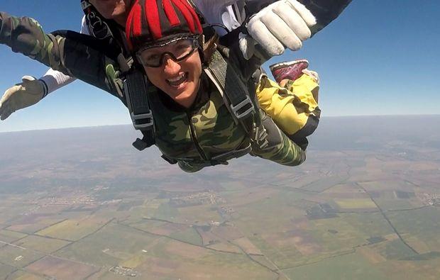 fallschirm-tandemsprung-breclav-fun