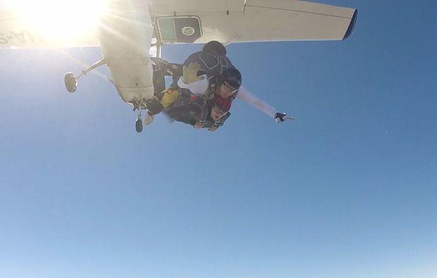 fallschirm-tandemsprung-breclav-springen