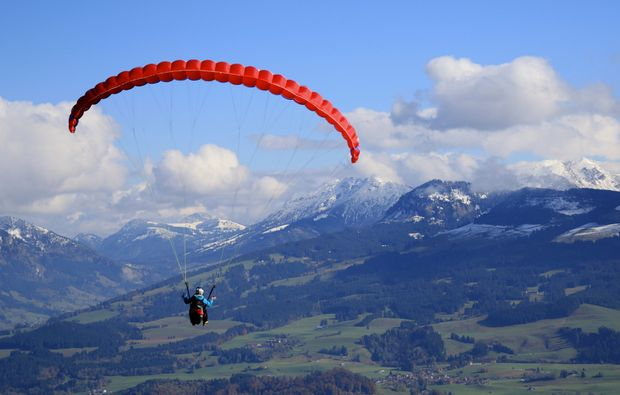 gleitschirm-schnupperkurs-obermaiselstein-rot-segel