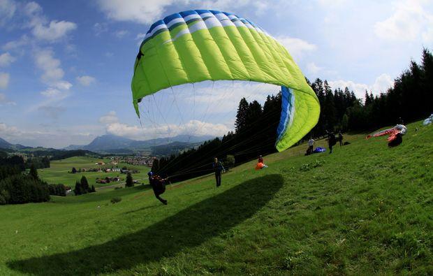 gleitschirm-schnupperkurs-obermaiselstein-starten