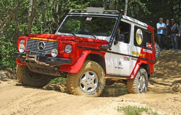 gelaendewagen-offroad-fahren-langenaltheim-jeep