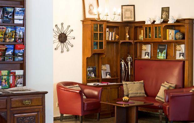romantikwochenende-schwetzingen-foyer