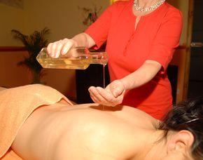 Romance - Wellness für Paare Fußbad, Ganzkörperpeeling, Ganzkörpermassage, Getränk